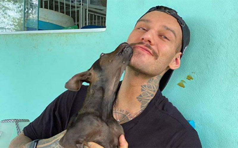 Lucas Lucco adota cachorrinha que foi atropelada por trem e perdeu uma patinha