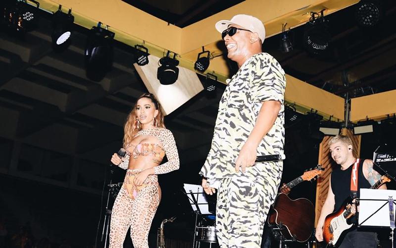 """Anitta estreia o novo single """"Jogação"""", em parceria com a banda Psirico"""