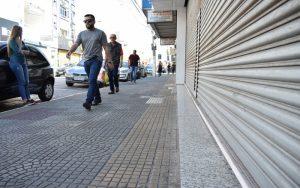 Itaquá e Suzano pensam em flexibilizar o comércio local