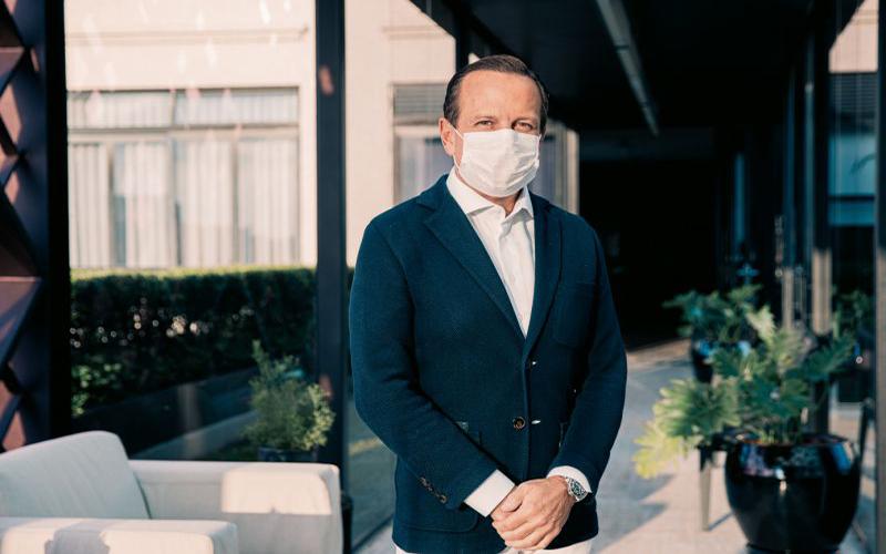 Apoiadora de Bolsonaro processa Doria por não usar máscara em coletiva