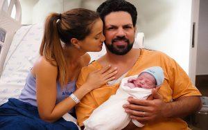 Cantor Sorocaba anuncia nascimento do primeiro filho: 'Maior experiência da minha vida'