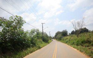 Acesso ao bairro Chácaras Duchen pela estrada das Varinhas, em Suzano, é interditado a partir desta quarta