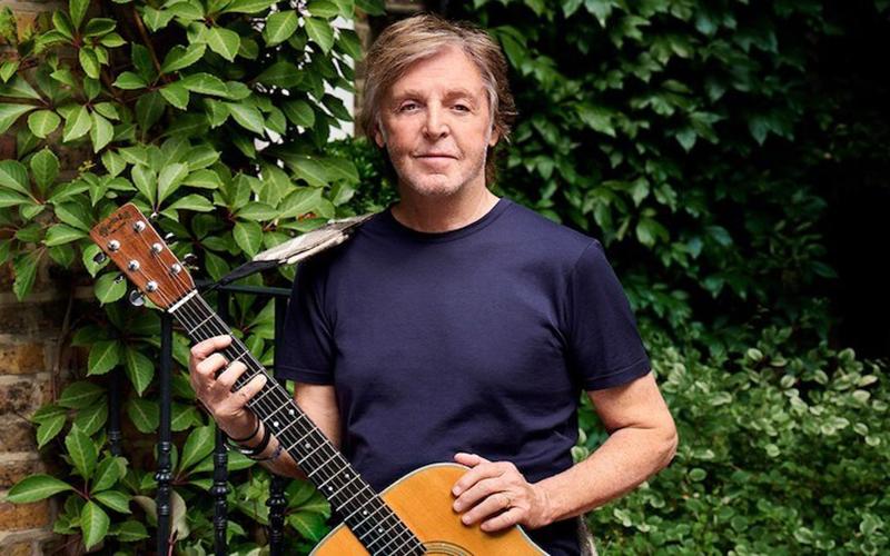 """Paul McCartney pede de aniversário que as pessoas """"abandonem a carne"""""""