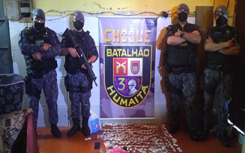 Choque prende dois com mais de 800 porções de drogas no Miguel Badra