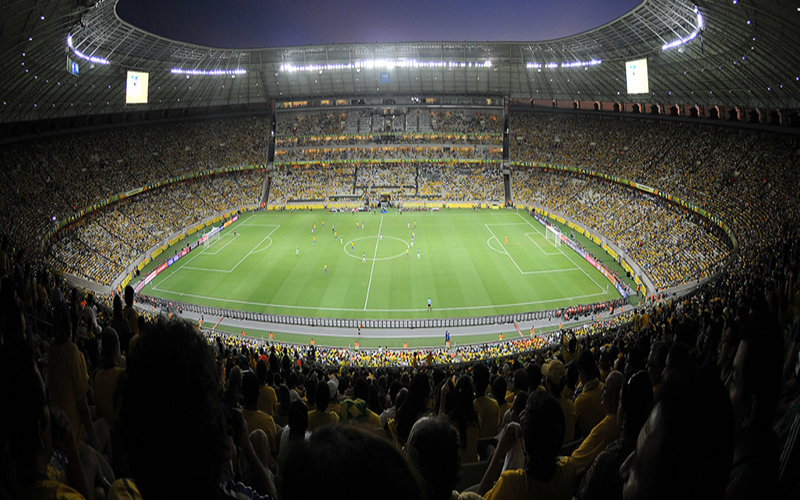 Saúde autoriza volta do público, mas impõe limite de 30% nos estádios