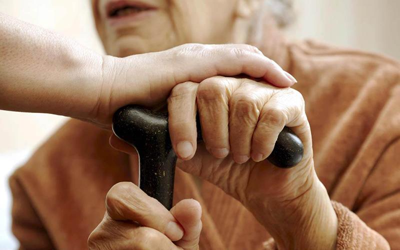 Governo amplia regra para conceder benefício a idoso pobre e deficientes