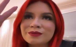 """Marília Mendonça aparece irreconhecível com cabelos ruivos: """"RBD tá vivo?"""""""