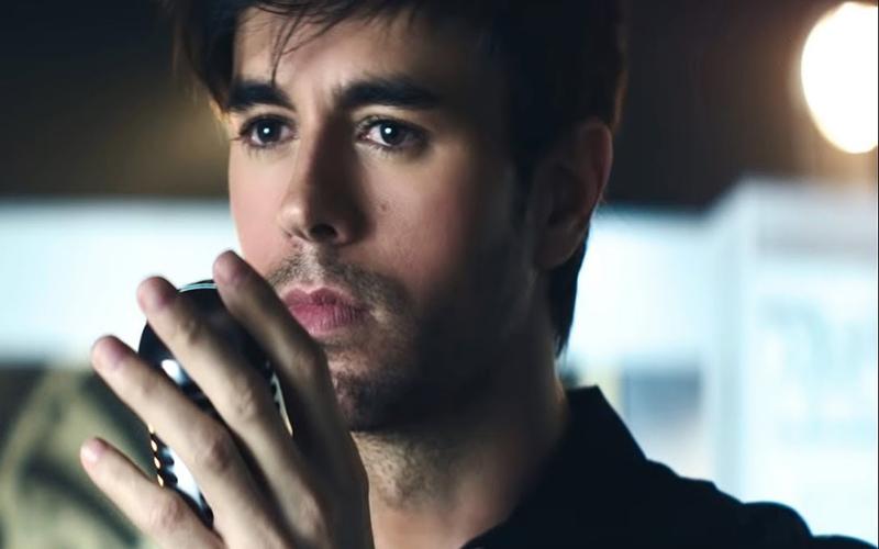 Enrique Iglesias é reconhecido pela Billboard como o maior artista latino da história