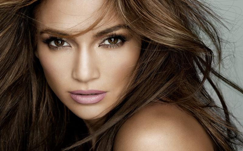 """Jennifer Lopez lança sua própria marca de beleza: """"Um sonho de 30 anos"""""""