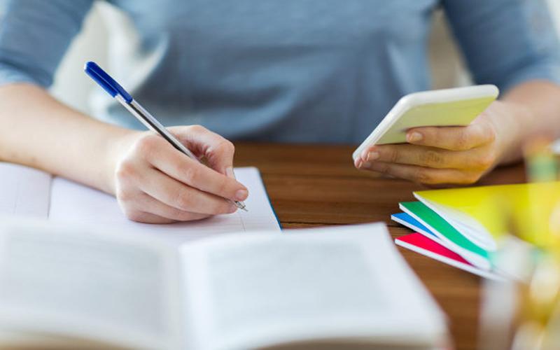 USP abre inscrições para curso online e gratuito de redação