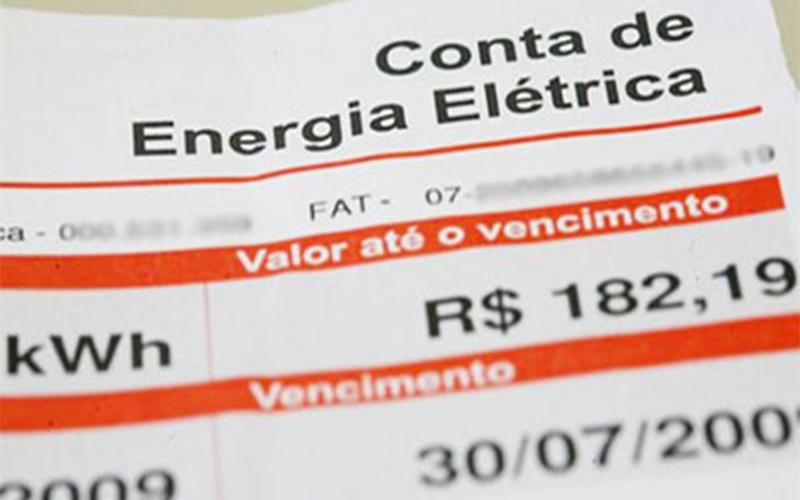 Ministro garante que tarifa alta na conta de luz será mantida até abril