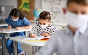 Apeoesp aponta 9 casos de Covid-19 após retorno das aulas em escolas estaduais
