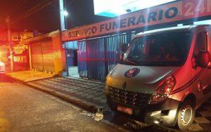Carro de funerária é roubado com corpo dentro em Itaquaquecetuba