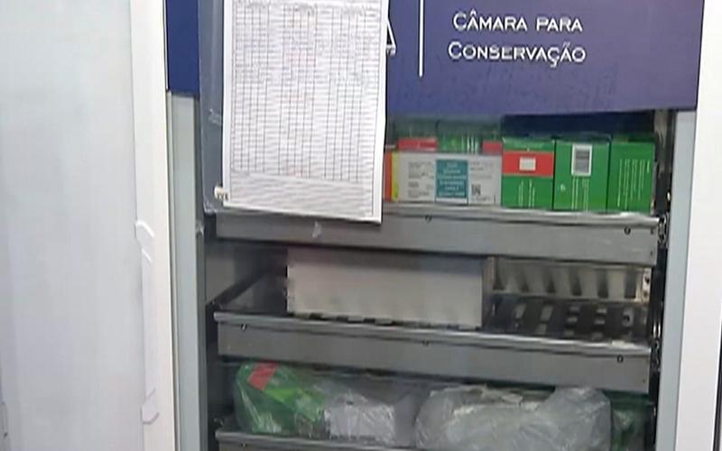 Mais de 1,7 mil doses da vacina contra Covid-19 ficam sem refrigeração após queda de energia em Ferraz